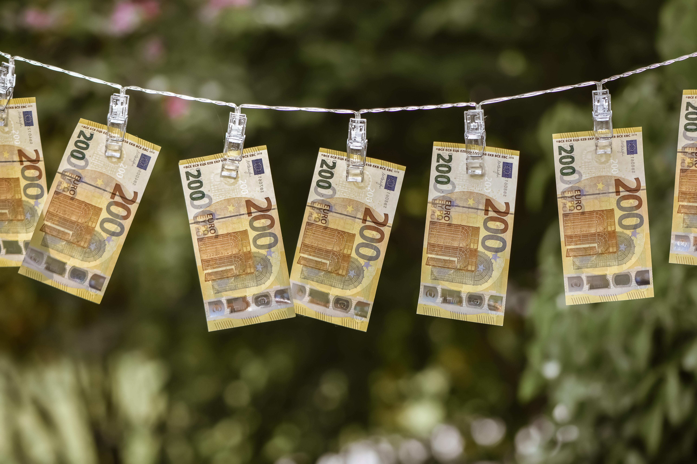 money-5244058.jpg